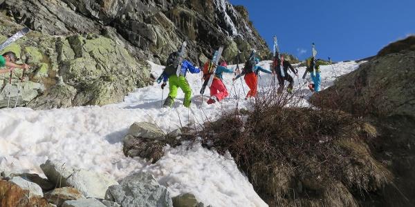 Zum Ski-Tragen gab es am 26.04.2016 keine Alternative.