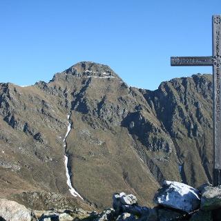 Am Gipfel des Naßfeldriegels mit  Blick zur Hochtristen.