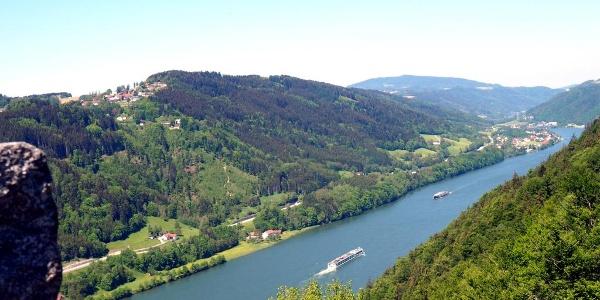 Donaublick nach Waldneukirchen und Wesenufer