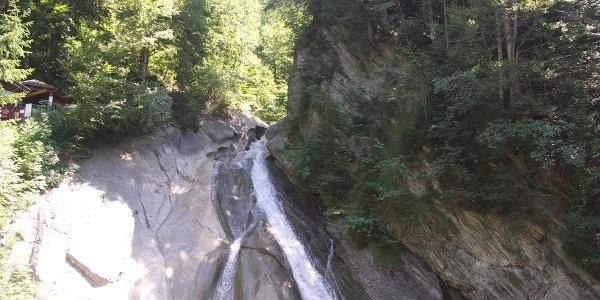Waterfall at the entrance of the gorge