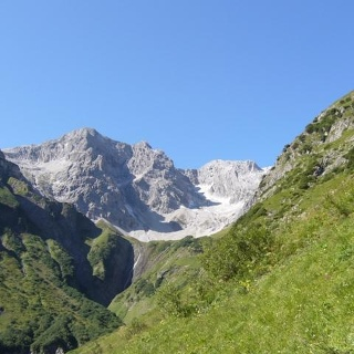 Weg Richtung Biberacherhütte mit Braunarl