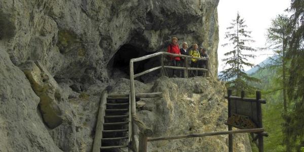 bei Falkensteinhöhle