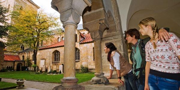 Im historischen Zentrum von Osnabrück (hier der Kreuzgang im Dom) hat man das Ziel erreicht