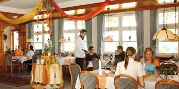 Restaurantbereich im Hotel-Landrestaurant Schnittker