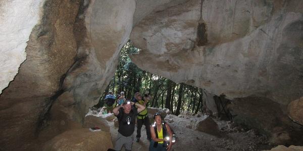 Eingang zur Zustiegshöhle