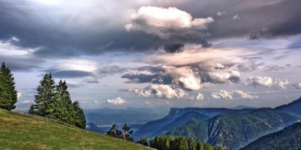 Primo giorno - visuale dal Monte San Vigilio verso la Val d'Adige