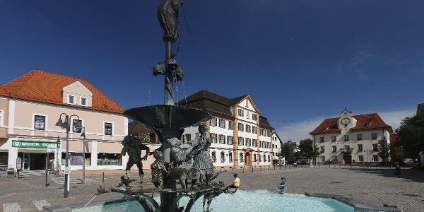 Marktplatz mit Marktbrunnen