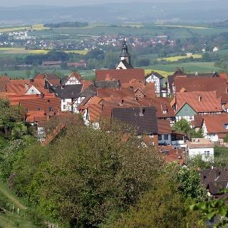 Blick vom Burgberg auf das Stadtwasser