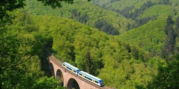 Hunsrückbahn auf Hubertusviadukt