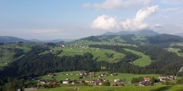 Blick auf Müselbach vom Feldweg Richtung Vöglen