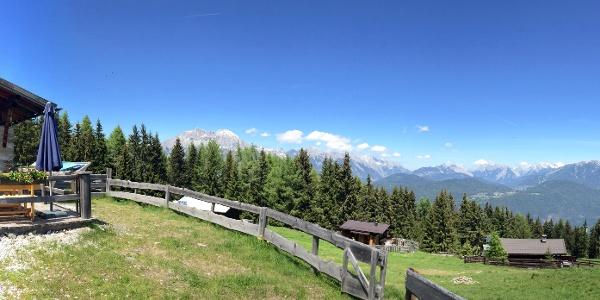 Oberhofer Melkalm mit Sonnenterrasse und Panorama
