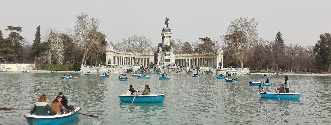 Montar en barca en el Parque El Retiro