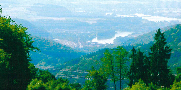 Aussicht über den Rhein, die Aare und den Klingnauer Stausee