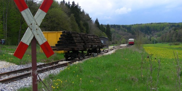 Bahnübergang an der alten Sägmühle.