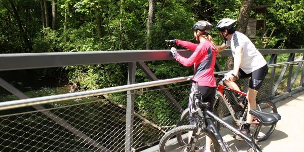 Radler auf dem Ohrntalradweg in Hohenlohe