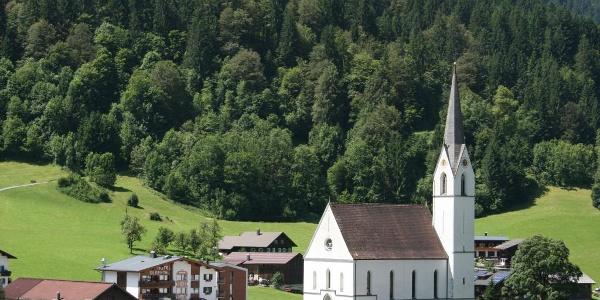 Silbertal mit Pfarrkirche