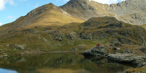Ruhig und abgeschieden bettet sich der Wildsee in die Kreuzeckgruppe ein.