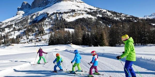 Große und kleine Pisten-Fans im SKigebiet Val di Fassa