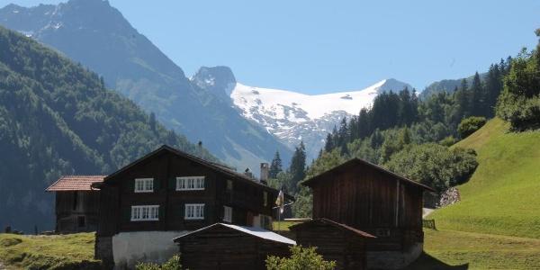 Blick auf den Medelsergletscher in Mompé Medel