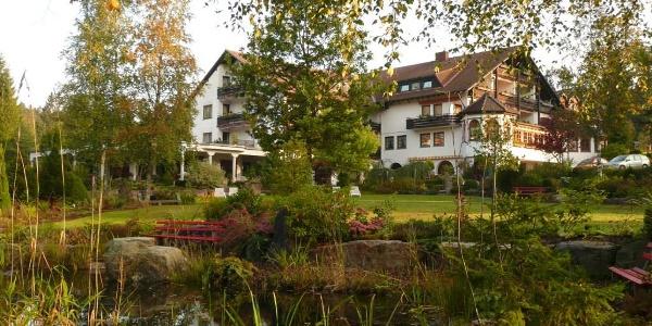 Hotel Waldblick - Gartenansicht