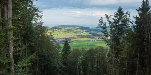 Blick vom Staufener Berg ins Westallgäu
