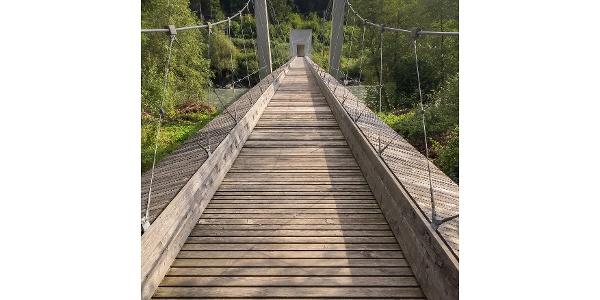 Hängebrücke über die Ruinaulta.