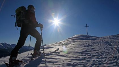 Lichtblick - die letzten Meter am Nordostrücken zum Gipfelkreuz