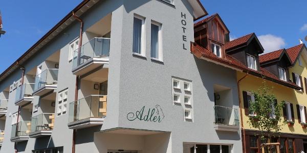 Außenansicht Hotel Adler mit neuem Anbau