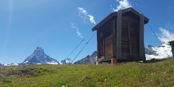 On way with view to the Matterhorn