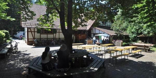 Hof der Lettenbronner Hütte