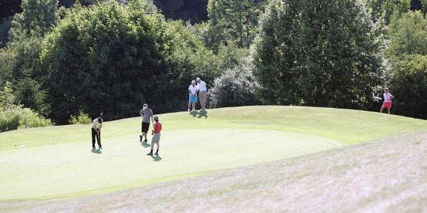 Golfer am Spielen