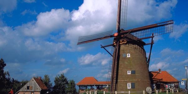 Ostmühle mit historischem Backhaus