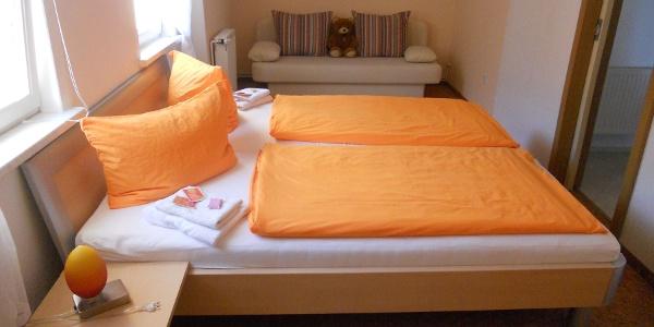 Fewo U. Weber Schlafzimmer mit möglicher Aufbettung