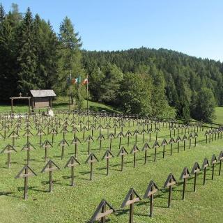 Cimitero militare di Slaghenaufi