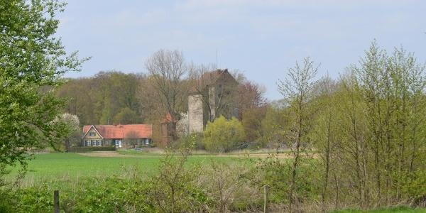 Blick vom Pilgerweg auf die Havichhorster Mühle