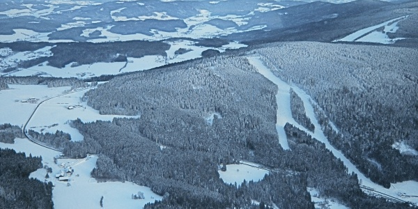 Pröller aus Nord-West mit den Ski-Abfahrten nach Klinglbach