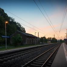 Vor Sonnenaufgang am Bahnhof Beckingen