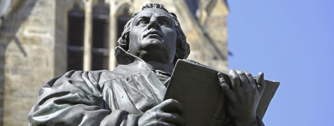 Lutherdenkmal vor der Erfurter Kaufmannskirche