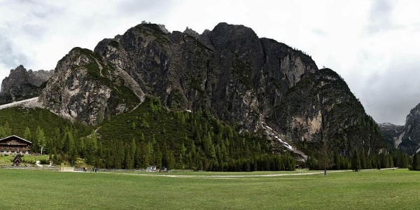 Die Dreischusterhütte im Innerfeldtal