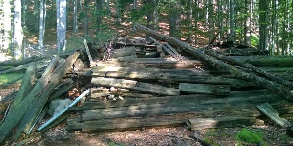 Das war einmal die Jagdhütte Brettschacher...