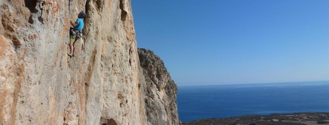 am Klettergarten Aspra in Griechenland