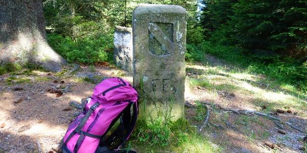 historischer Grenzstein am Auerhahnköpfle