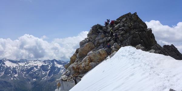 Bei der Winkelspitze: erste Felsberührung am Detmolder Grat