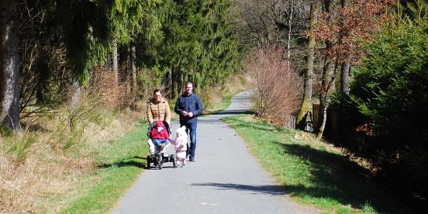 Ein Großteil der Strecke ist für Kinderwagen und Rollstuhl geeignet.