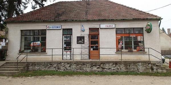 Balatonhenye, Italbolt (OKTPH_33)