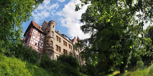 Schloss Neuenhof, Westfassade zur Werra