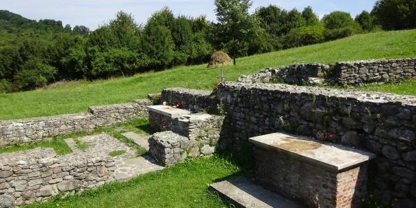 A pilisszentléleki kolostorromok