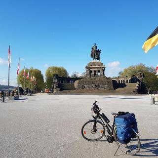 """Das """"Deutsche Eck"""", wo die Mosel in den Rhein fließt."""