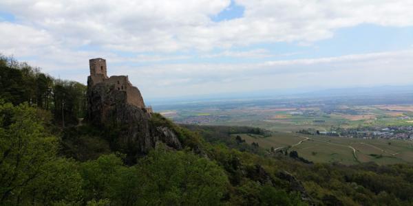 Blick von Burg St. Ulrich auf Burg Girsberg
