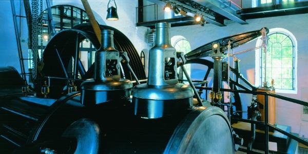 Schwergewichtig: Mit solchen Dampfmaschinen wurden auch die Förderkörbe im Schacht bewegt.
